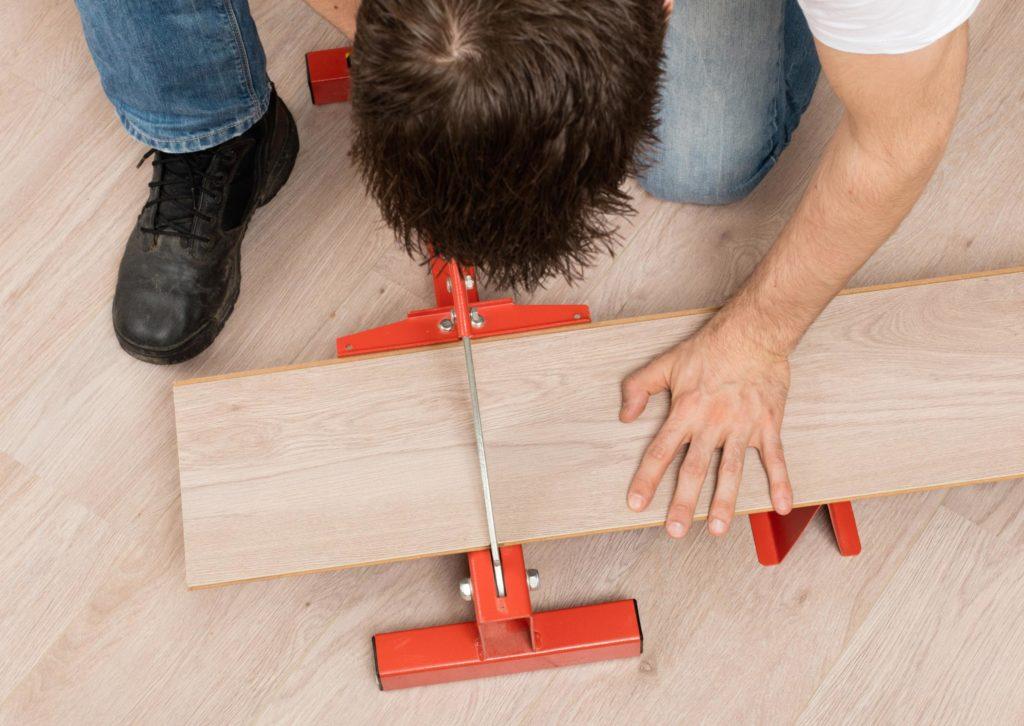 professional laminate flooring service in progress